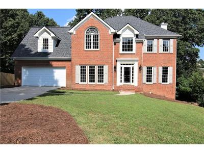 Alpharetta  Single Family Home For Sale: 10575 Aviary Drive