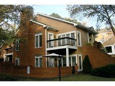 Dunwoody Condo/Townhouse For Sale: 5664 Brooke Ridge Drive