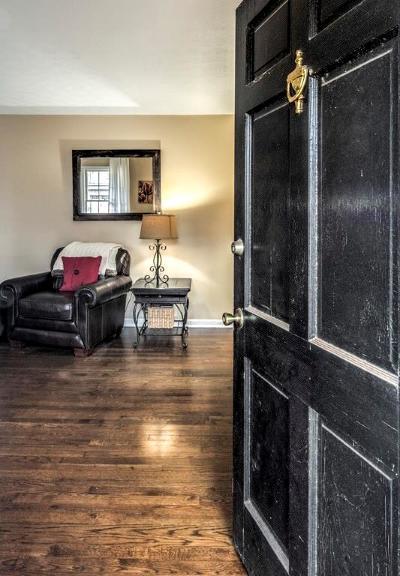 Smyrna Single Family Home For Sale: 1211 Kingsview Drive SE