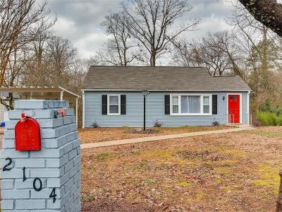 Decatur Single Family Home For Sale: 2104 Barberrie Lane