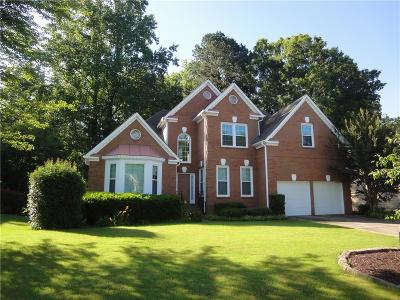 Alpharetta  Single Family Home For Sale: 540 Fawn Run