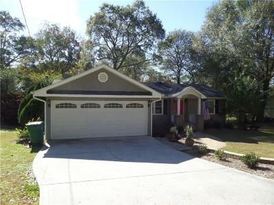 Smyrna Single Family Home For Sale: 1010 Ridgecrest Drive SE