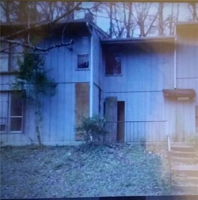 Condo/Townhouse For Sale: 2805 Macon Drive SW #13F
