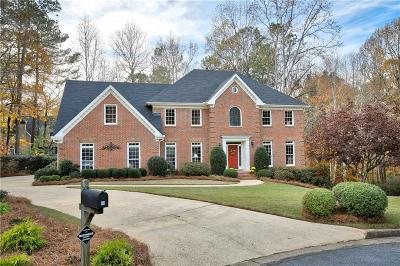 Roswell  Single Family Home For Sale: 160 Lazy Laurel Chase