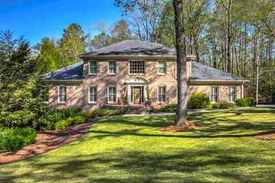 Sandy Springs Single Family Home For Sale: 935 Riverside Trace