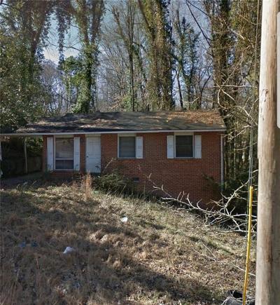 Single Family Home For Sale: 484 Fairlane Circle
