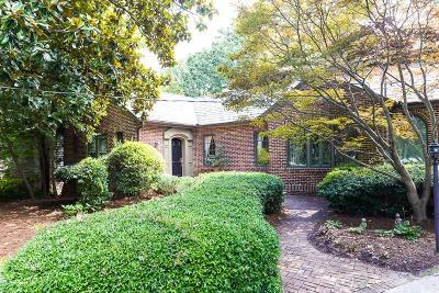 Garden Hills Single Family Home For Sale: 2775 N Hills Drive NE