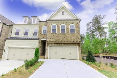 Roswell  Condo/Townhouse For Sale: 1010 Millhaven Drive