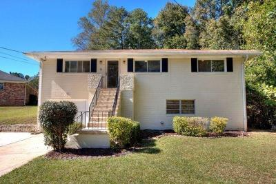 Single Family Home For Sale: 3533 Highwood Drive SW