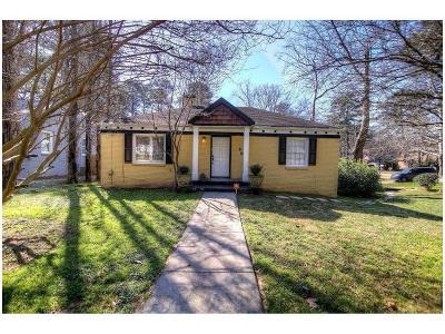 Single Family Home For Sale: 961 Lindbergh Drive NE