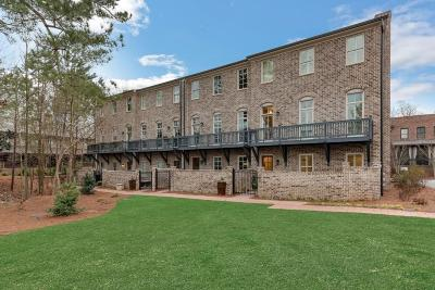 Roswell Condo/Townhouse For Sale: 410 Green Oak Drive
