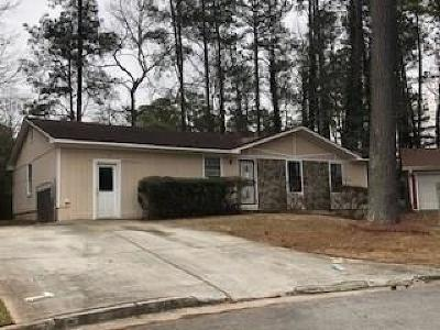 Lithonia Single Family Home For Sale: 2210 Cherokee Valley Trail