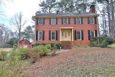 Lilburn Single Family Home For Sale: 288 Hood Road NW