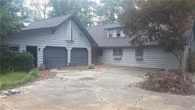 Buford Single Family Home For Sale: 3101 Thompson Mill Road