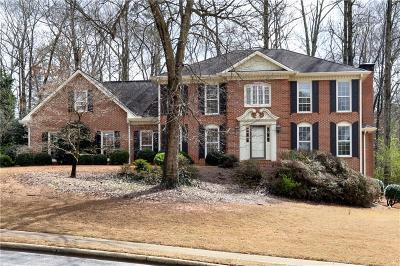 Roswell  Single Family Home For Sale: 110 Broadmeadow Cove
