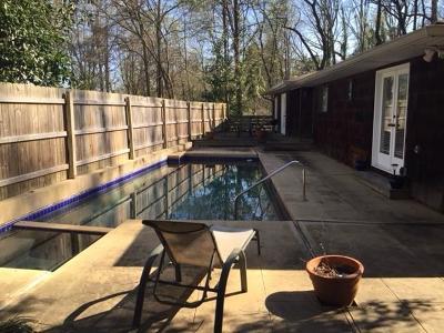 Single Family Home For Sale: 3258 Laramie Drive SE