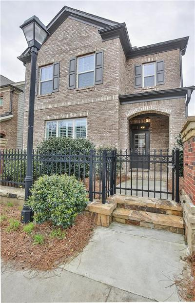 Alpharetta  Single Family Home For Sale: 7585 Scarlet Drive