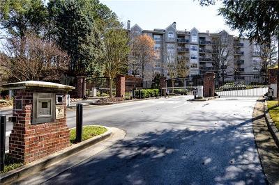 Atlanta Condo/Townhouse For Sale: 4246 River Green Drive NW #204