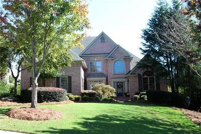 Forsyth County Single Family Home For Sale: 6945 Blackthorn Lane