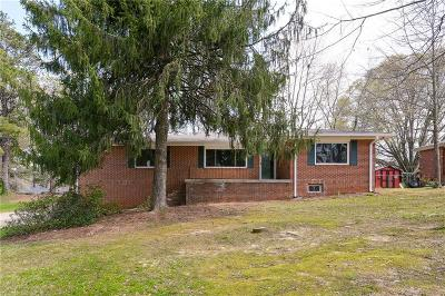 Marietta GA Single Family Home For Sale: $245,000