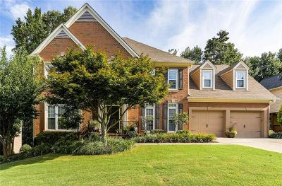 Alpharetta Single Family Home For Sale: 425 Overhill Bend