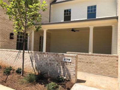 Roswell Condo/Townhouse For Sale: 220 Clover Court #12