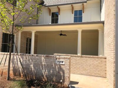 Roswell Condo/Townhouse For Sale: 230 Clover Court #8