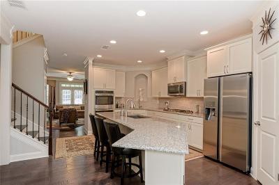 Johns Creek Condo/Townhouse For Sale: 9039 Tuckerbrook Lane