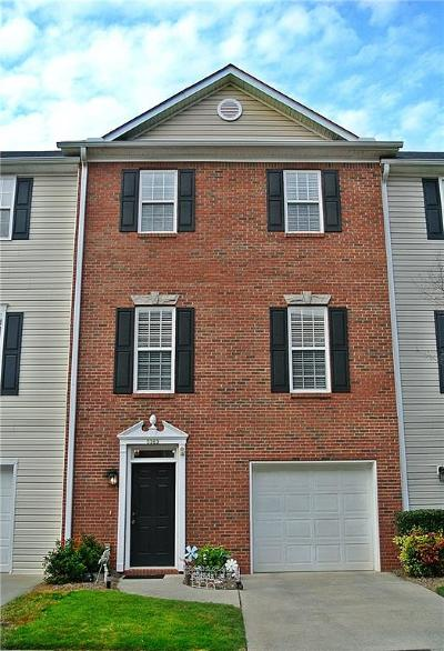 Peachtree Corners, Norcross Condo/Townhouse For Sale: 5363 Hickory Knoll