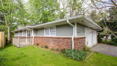 Single Family Home For Sale: 2884 Lakemont Place SW