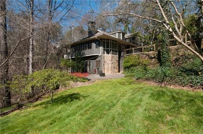 Sandy Springs Single Family Home For Sale: 375 Crosstree Lane