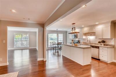 Atlanta Single Family Home For Sale: 5790 Riverwood Drive