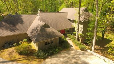 Alpharetta Single Family Home For Sale: 9610 Farmbrook Lane