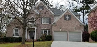 Johns Creek Single Family Home For Sale: 5925 Abbotts Run Trail