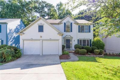 Duluth Single Family Home For Sale: 10945 Glenbarr Drive