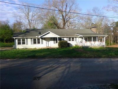 Buford Single Family Home For Sale: 200 Pugh Street