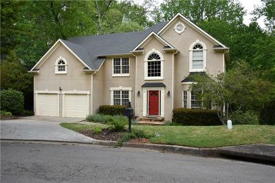 Roswell Single Family Home For Sale: 270 Flowing Springs Trail