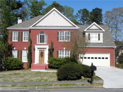 Lilburn Single Family Home For Sale: 682 Kenion Forest Way