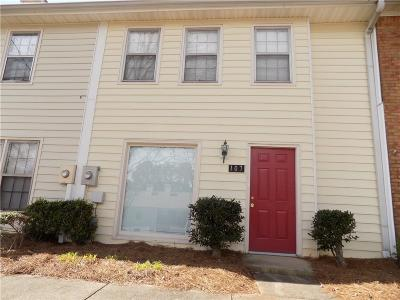Roswell Condo/Townhouse For Sale: 107 Old Ferry Way