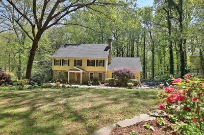 Sandy Springs Single Family Home For Sale: 945 Buckhorn E