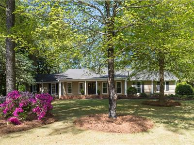 Roswell Single Family Home For Sale: 1020 Windsor Trail