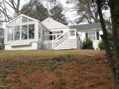 Atlanta Single Family Home For Sale: 355 N Garden Lane NW
