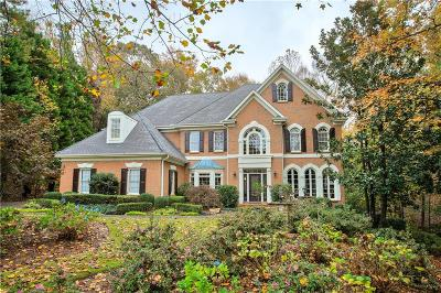 Johns Creek Single Family Home For Sale: 708 Henley Fields Circle