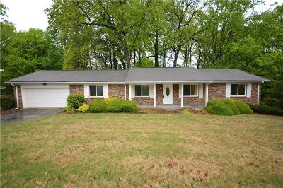 Smyrna Single Family Home For Sale: 843 Green Forest Drive SE