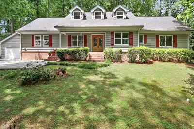 Roswell Single Family Home For Sale: 4571 Huntridge Drive NE