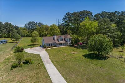 Loganville Single Family Home For Sale: 2409 Manor Way
