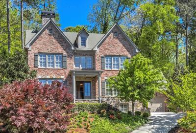 Atlanta Single Family Home For Sale: 715 Estate Way