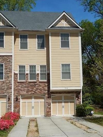 Atlanta Condo/Townhouse For Sale: 2212 Collins Ridge Drive NW