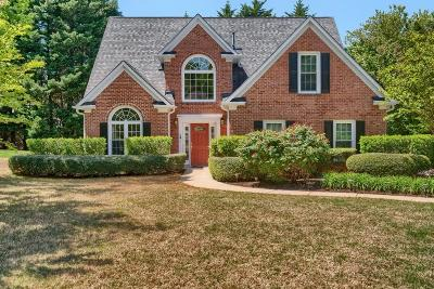 Roswell Single Family Home For Sale: 515 Bally Claire Lane