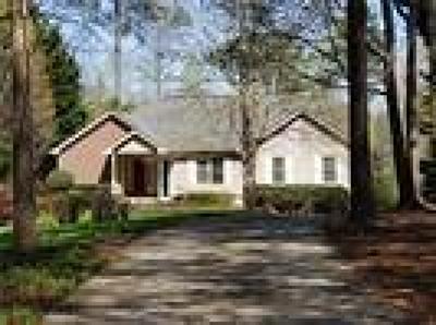 Alpharetta, Cumming, Johns Creek, Milton, Roswell Single Family Home For Sale: 2845 Lake Court